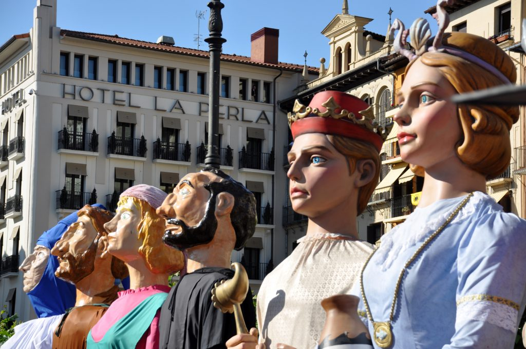 Gigantes en la Plaza del Castillo