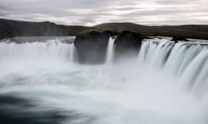 Islandia – Hljoðaklettar, lago Mývatn y cascada de Godafoss (día 9)